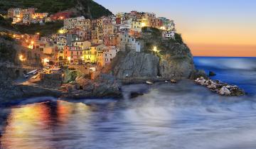обоя italy - cinque terre manarola, города, - огни ночного города, побережье