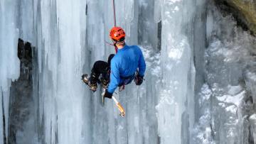 обоя спорт, экстрим, альпинист, лед