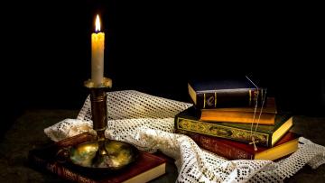 обоя разное, канцелярия,  книги, подсвечник, книги, свеча, крестик