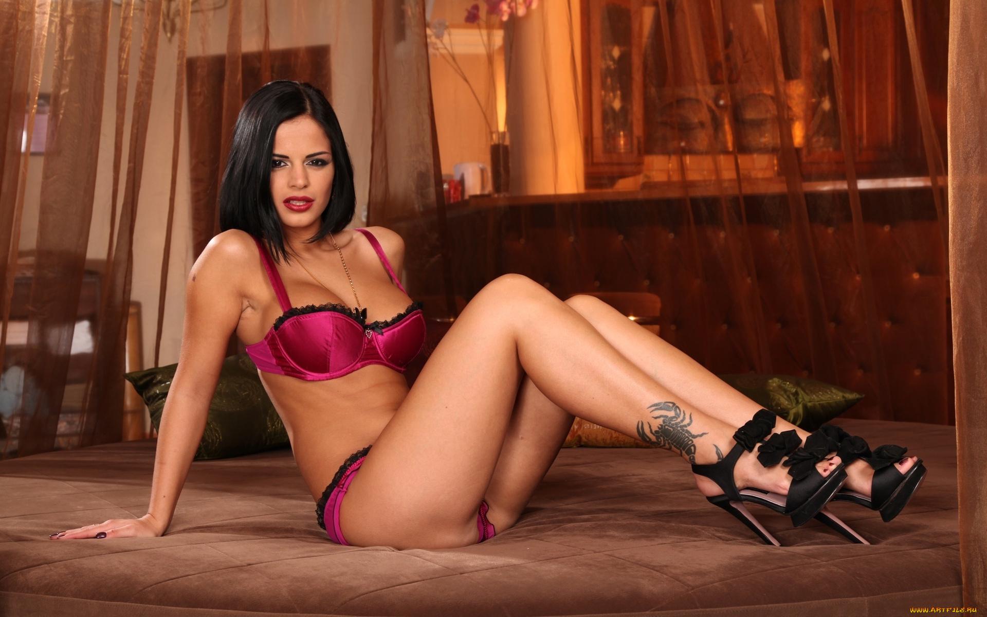Hot chicks Casana Lei   597812
