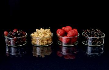 Картинка еда фрукты +ягоды смородина клубника