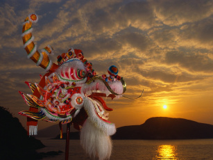 Картинка разное маски карнавальные костюмы облака закат маска море