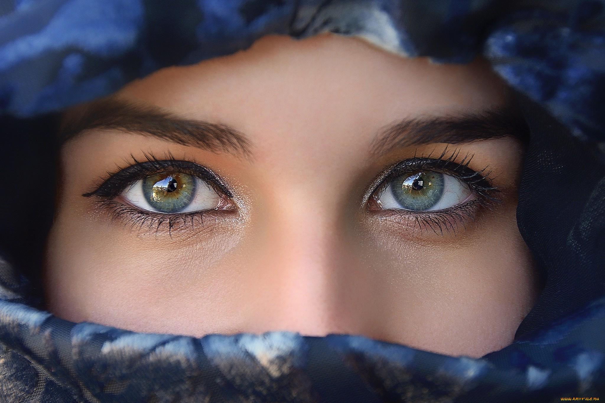 Картинки красивые глаза на аву