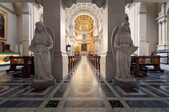 обоя интерьер, убранство,  роспись храма, статуи