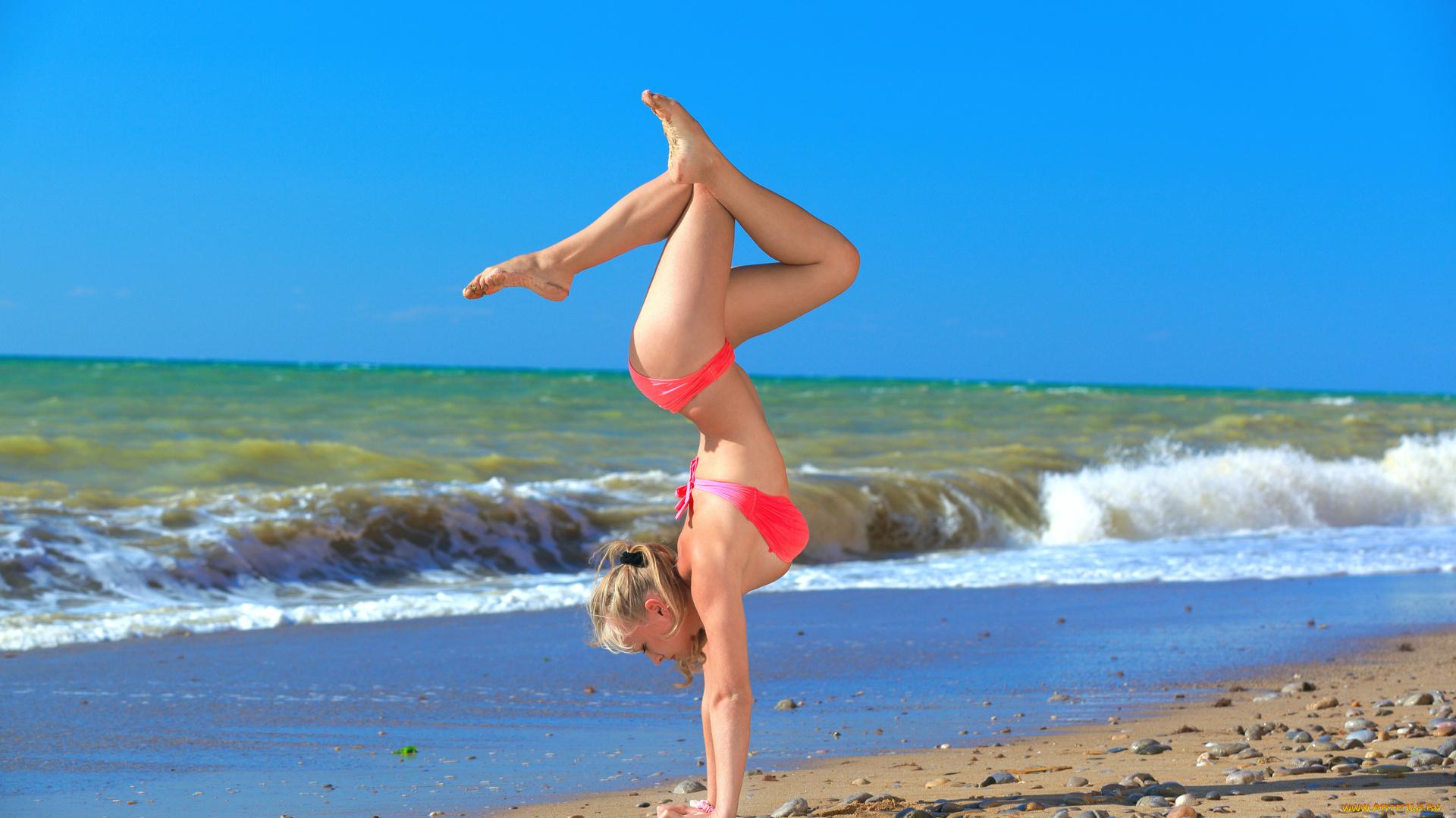 Спортивные девушки на пляже, Сексуальные девушки на пляже Ежедневный мужской 9 фотография