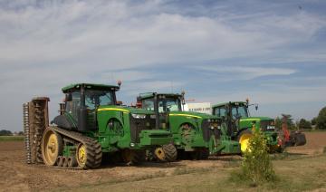 Картинка техника тракторы+на+гусенецах трактор