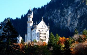 Картинка города замок нойшванштайн германия осень башня