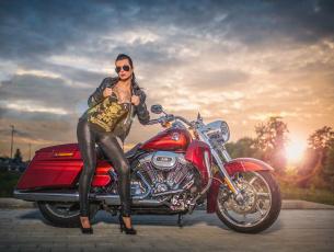 обоя мотоциклы, мото с девушкой, красный, байк, мотоцикл, harley, davidson, харлей, рок, девушка, тату