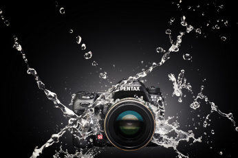 Картинка pentax+k-5iis+splash бренды pentax фотокамера