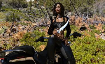 Картинка 3д+графика фантазия+ fantasy взгляд девушка оружие мотоцикл фон