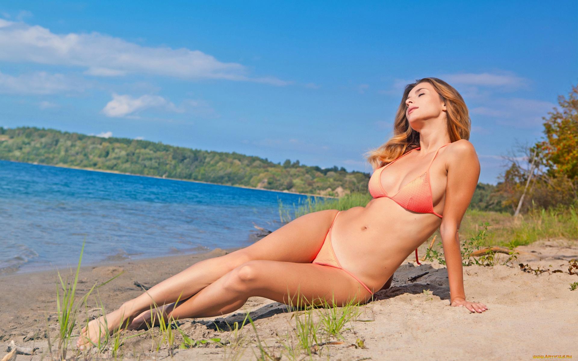 Eve free nude rapper video