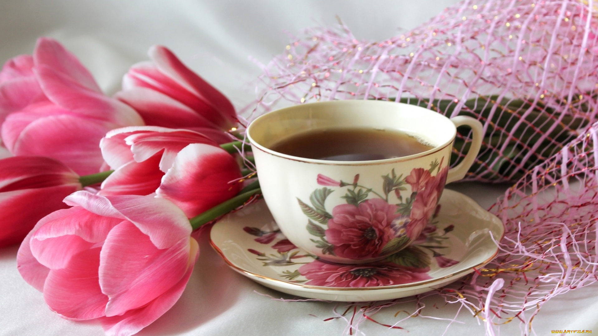 Утренний чай и цветы фото
