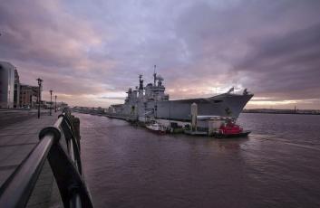Картинка hms+illustrious корабли авианосцы +вертолётоносцы великобритания королевские вмс авианосец