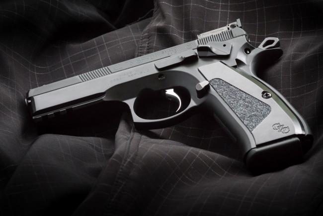 Обои картинки фото cz75 sp-01 shadow target, оружие, пистолеты, ствол