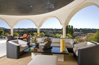 Картинка интерьер веранды террасы балконы гепарды арки кресла