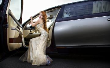 Картинка автомобили авто девушками рыжая девушка взгляд платье автомобиль