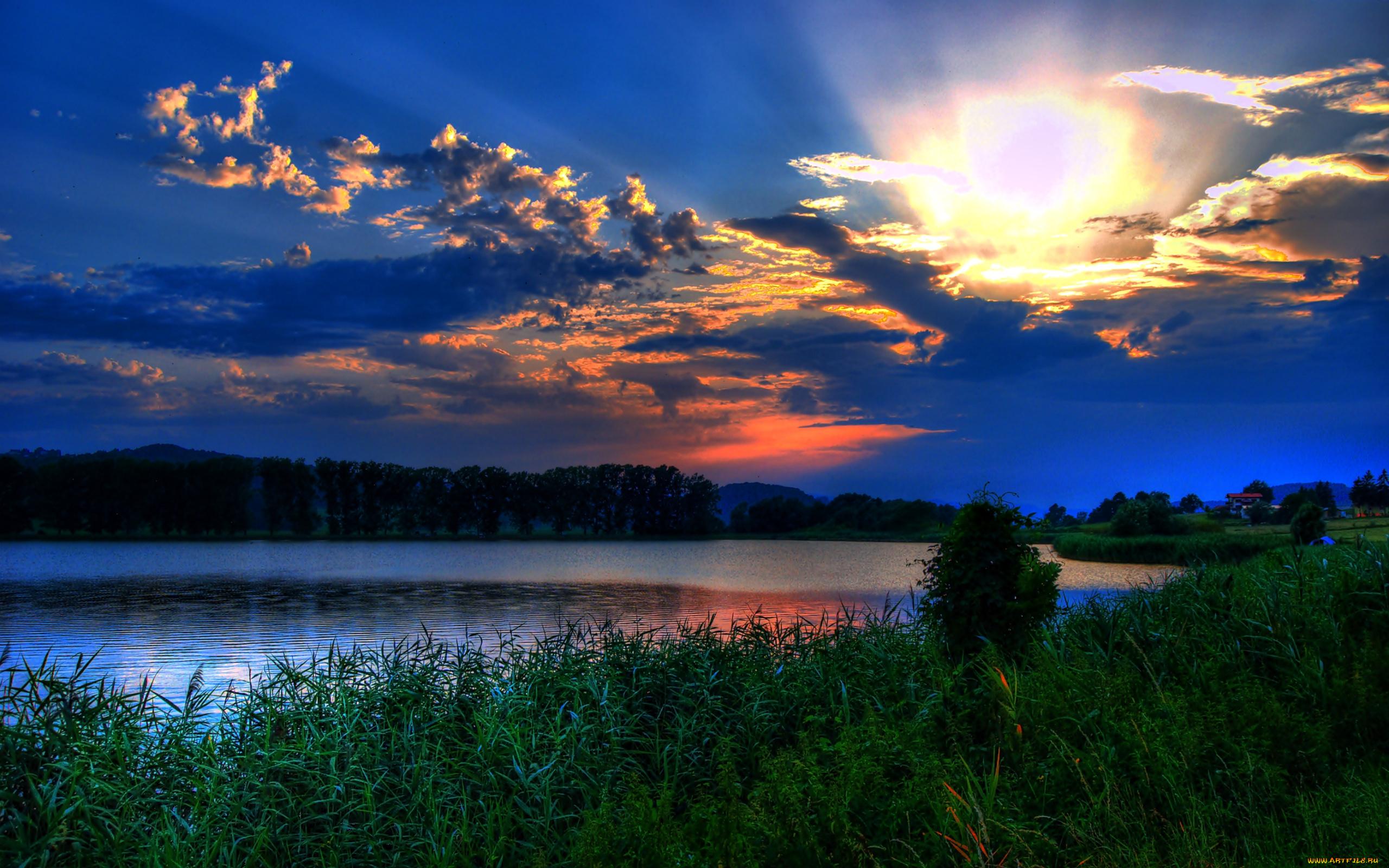 Темный закат над озером  № 3213529  скачать