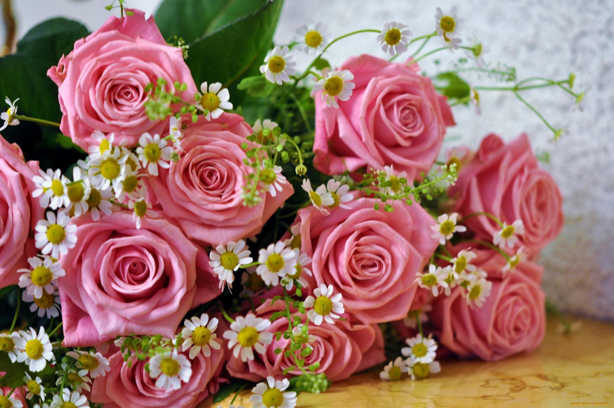Цветы и открытка к ним
