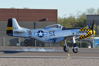 Картинка авиация лёгкие+и+одномоторные+самолёты полоса посадка истребитель north+american+p-51+mustang