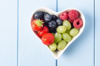 обоя еда, фрукты,  ягоды, черника, малина, клубника, виноград