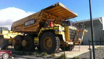 Картинка 2000+caterpillar+777d+mining+truck техника строительная+техника карьерный тяжелый самосвал