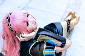 обоя разное, cosplay , косплей, vocaloid, cosplay, девушка, megurine, luka, наушники, костюм, розовые, волосы