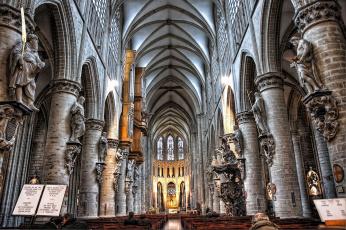 Картинка собор святого михаила брюссель бельгия интерьер убранство роспись храма скульптуры колонны арки
