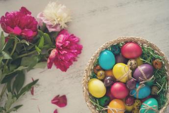 обоя праздничные, пасха, яйца, цветы, крашенки, пионы