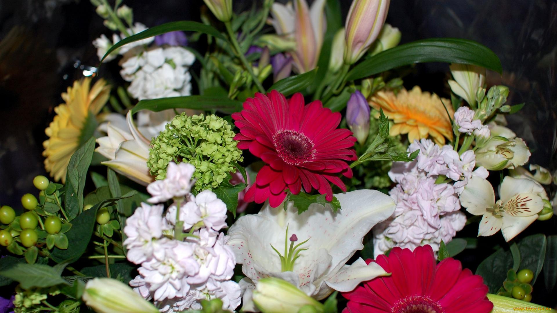 Великолепный букет цветов фото