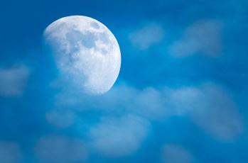 обоя космос, луна, фон, небо, облака