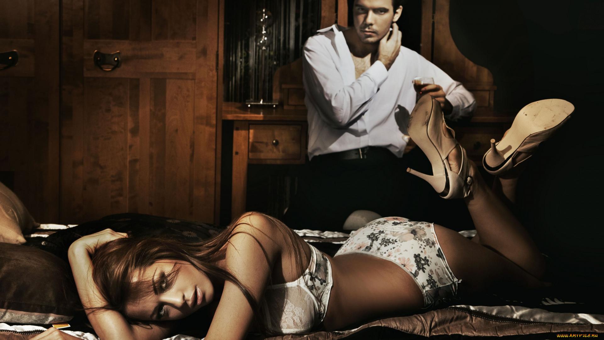 прикольное фото на тему женщина и молодой парень секс часа видно
