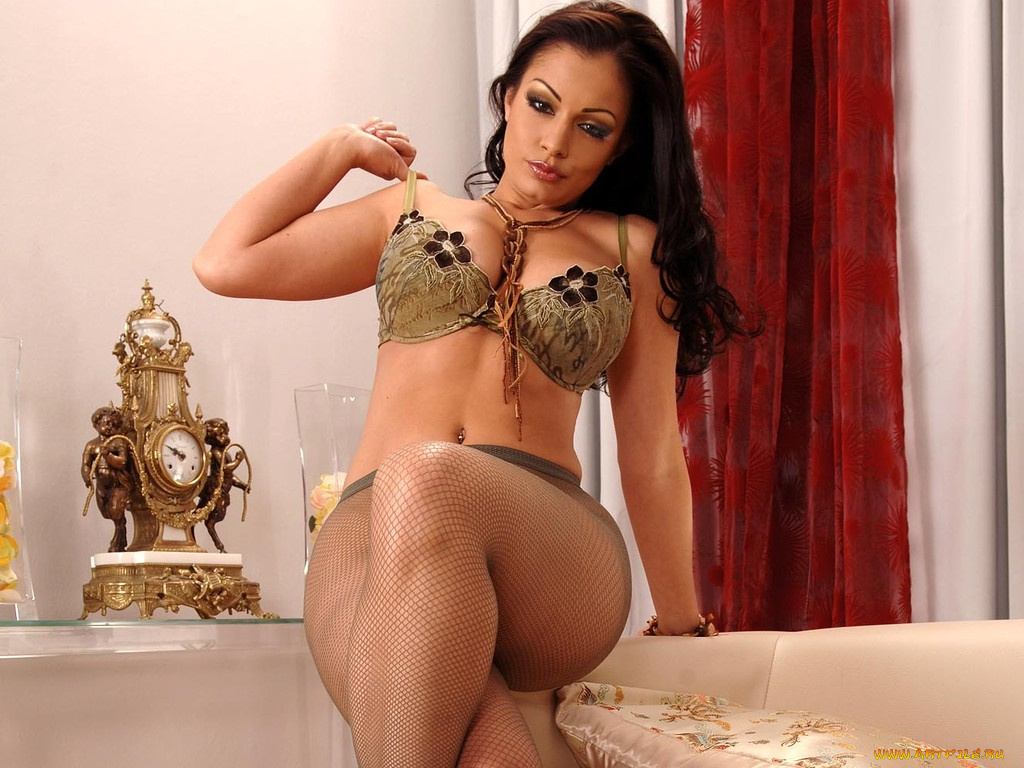 Sultry Aria Giovanni flaunting her big tits and spreading ass on the bed  1004589