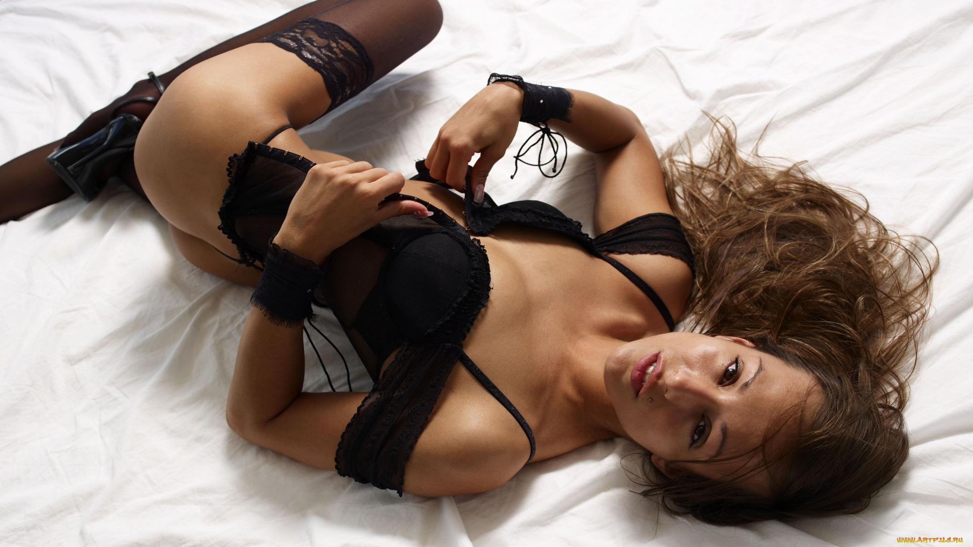 Смотреть секс ролики в качественном состоянии хорошее белье, мужская дрочка членом видео