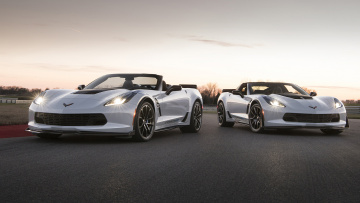 Картинка chevrolet+corvette+carbon+65+edition+coupe+and+convertible+2018 автомобили corvette coupe edition carbon 65 2018 convertible chevrolet