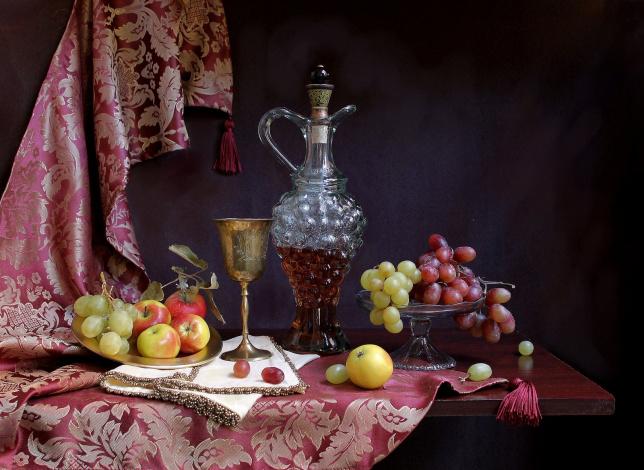https://i.artfile.me/wallpaper/05-01-2013/644x470/eda-natyurmort-bokal-vino-vinograd-yablo-694517.jpg