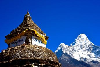обоя города, - исторические,  архитектурные памятники, памятник, старина, непал, ступа, небо, горы