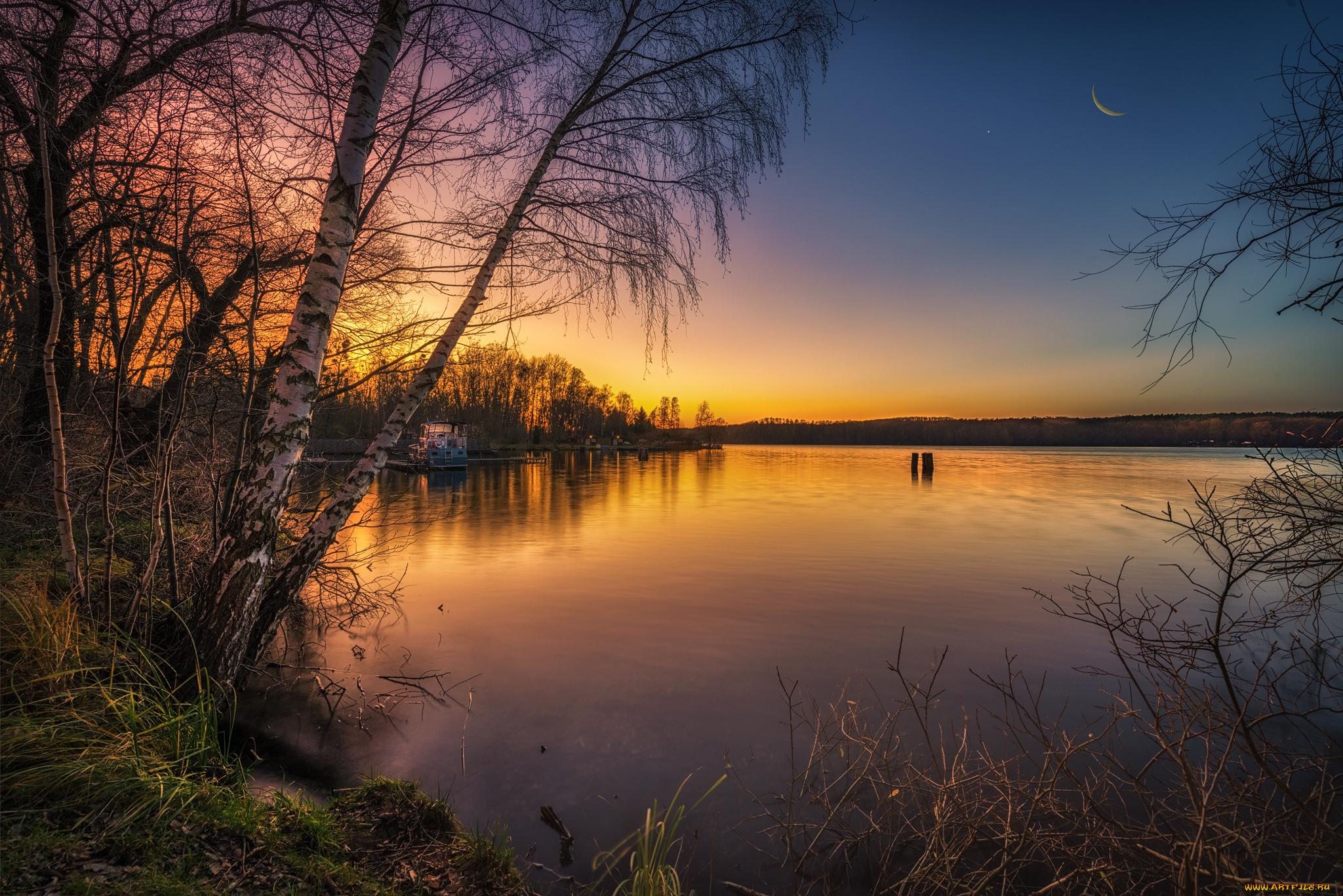 Закат озеро деревья без смс