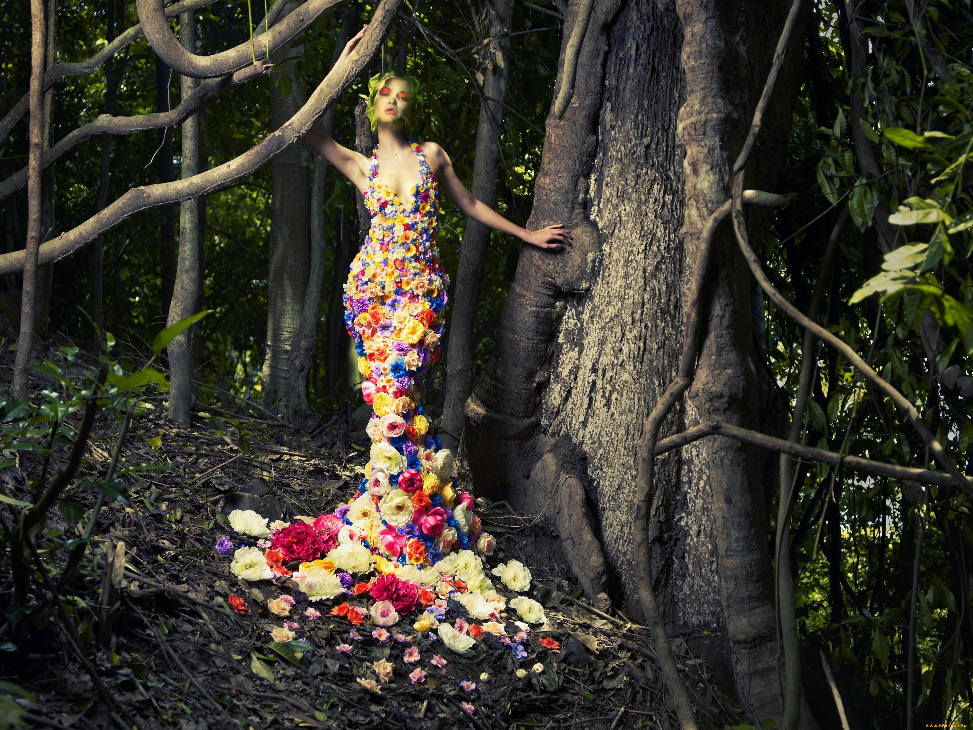 Девушка платье из листьев скачать