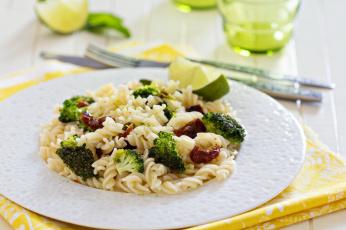 Картинка еда макаронные+блюда вяленые помидоры брокколи паста