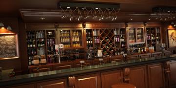 обоя интерьер, кафе,  рестораны,  отели, светильник, напитки, пиво, бокалы, полки