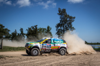 Картинка спорт авторалли 2015г dakar rally duster renault