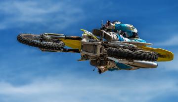 Картинка спорт мотоспорт байк прыжок гонщик