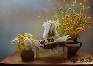 обоя разное, игрушки, книга, июль, игрушка, тильда, зайка, натюрморт, лето, скамейка, полевые, цветы