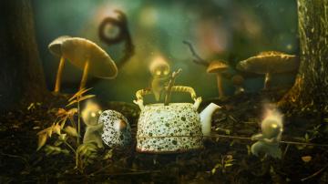 обоя фэнтези, фотоарт, деревья, стволы, боке, человечки, трава, грибы, графика, чайник