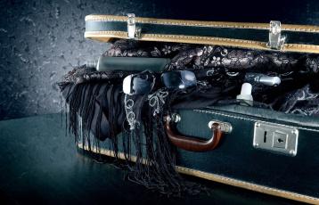 обоя разное, одежда,  обувь,  текстиль,  экипировка, очки, чемодан, шаль