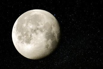 обоя moon and milky way, космос, луна, спутник