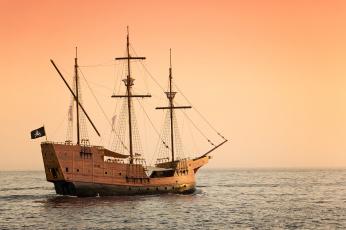 Картинка `brown+pearl` корабли парусники пират