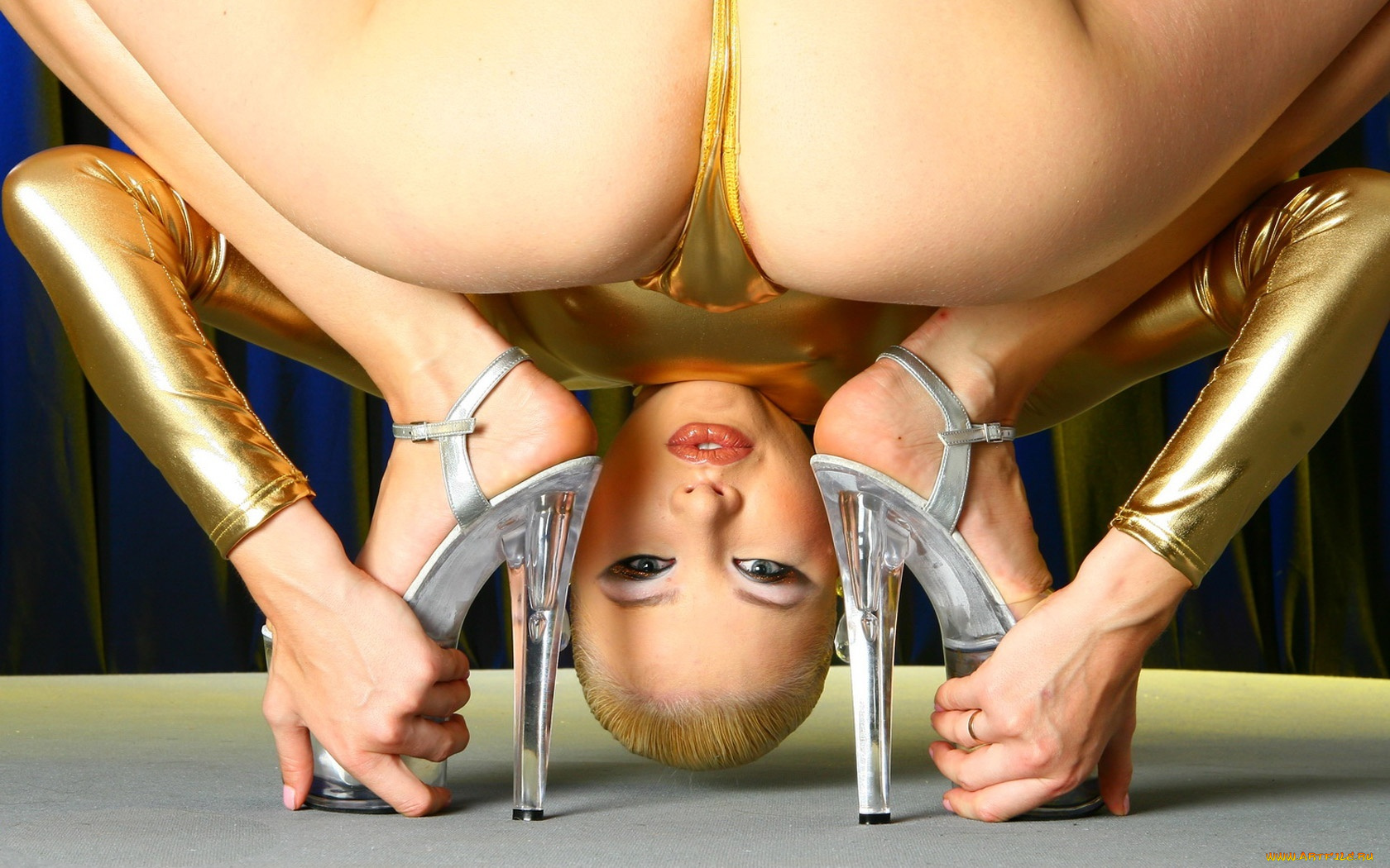 xxx-contortionist