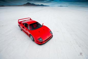 Картинка автомобили ferrari красный берег