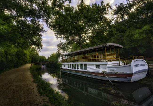Обои картинки фото корабли, баржи, река, лес